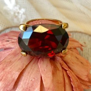 Elegant and beautiful ring.